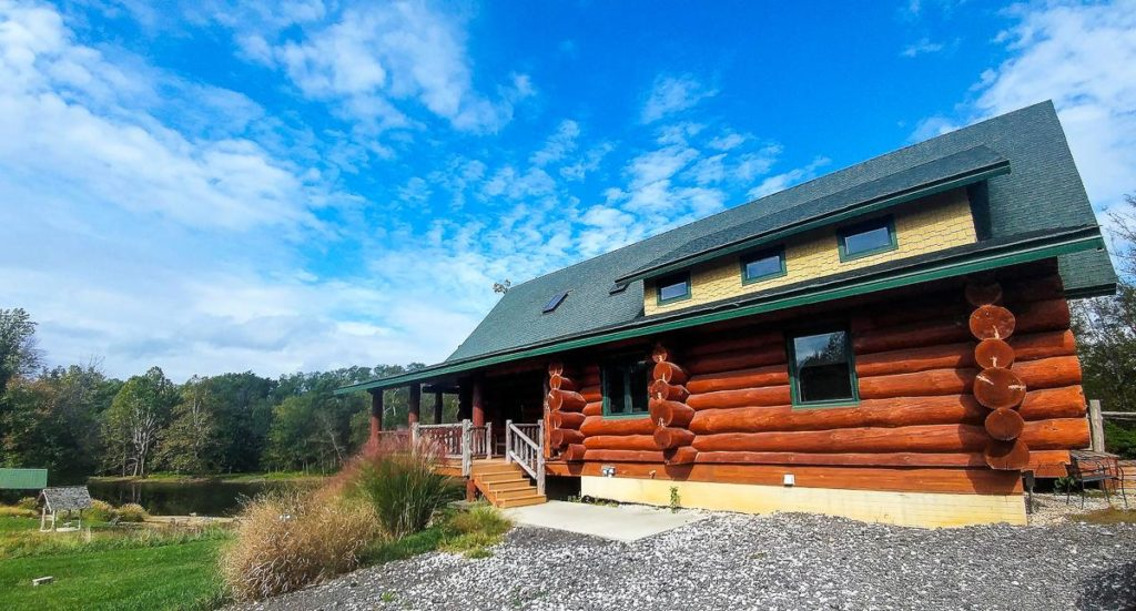Natural Valley Ranch, a gorgeous and luxurious cabin in Hendricks County, Indiana