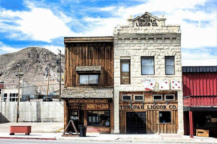Tonopah, Nevada: The Town That's So In-Clined