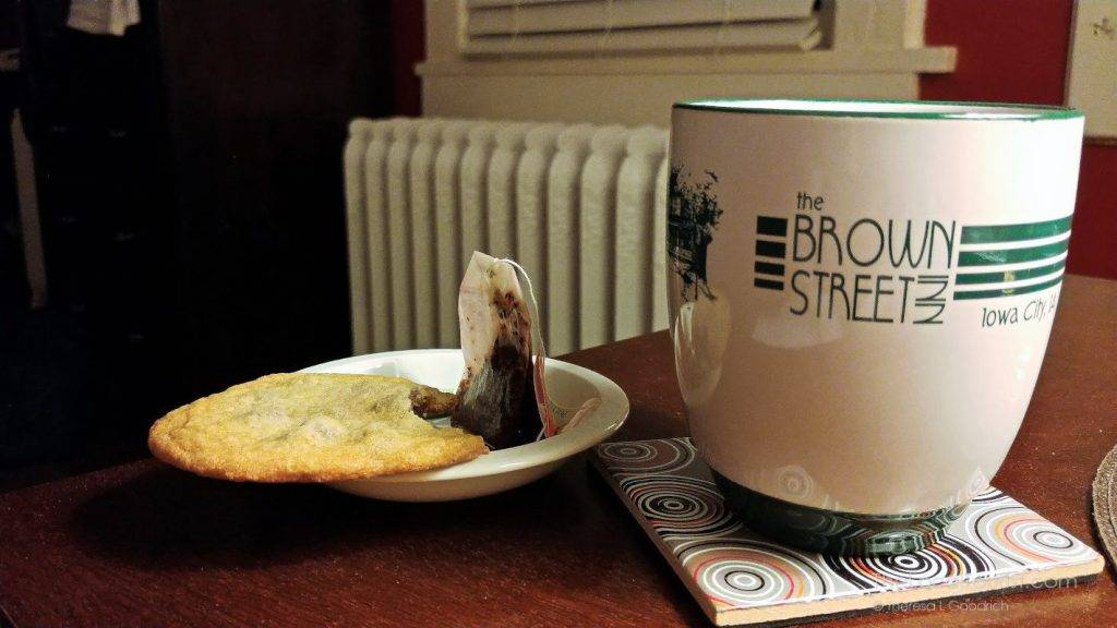 Chocolate chip cookie and tea - the perfect nightcap at Brown Street Inn