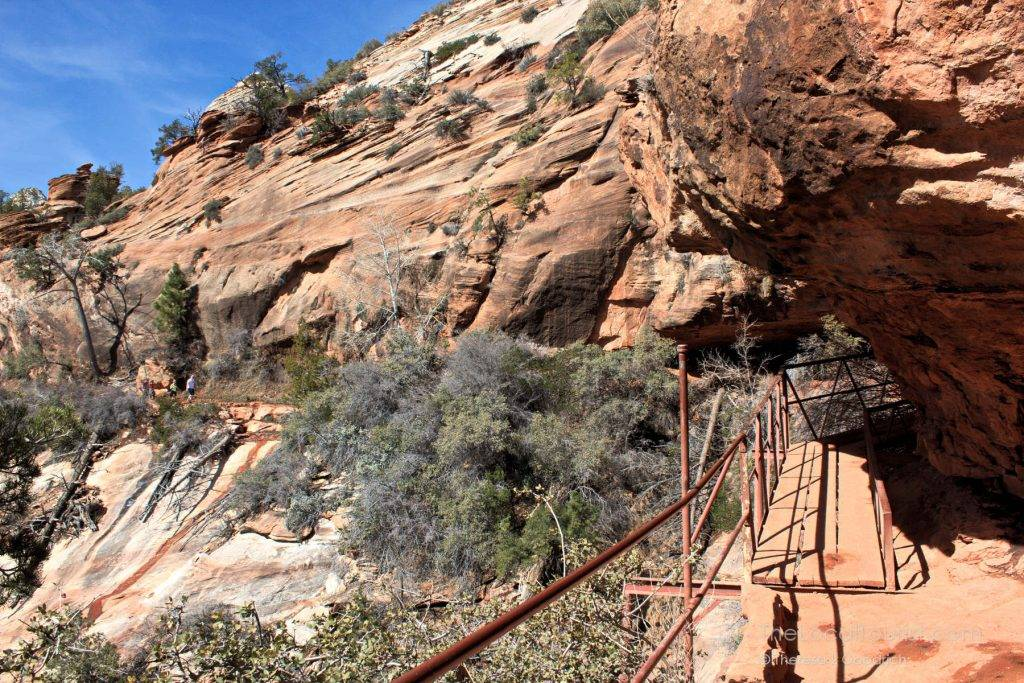 Trail under rock outcropping on the Canyon Overlook Trail