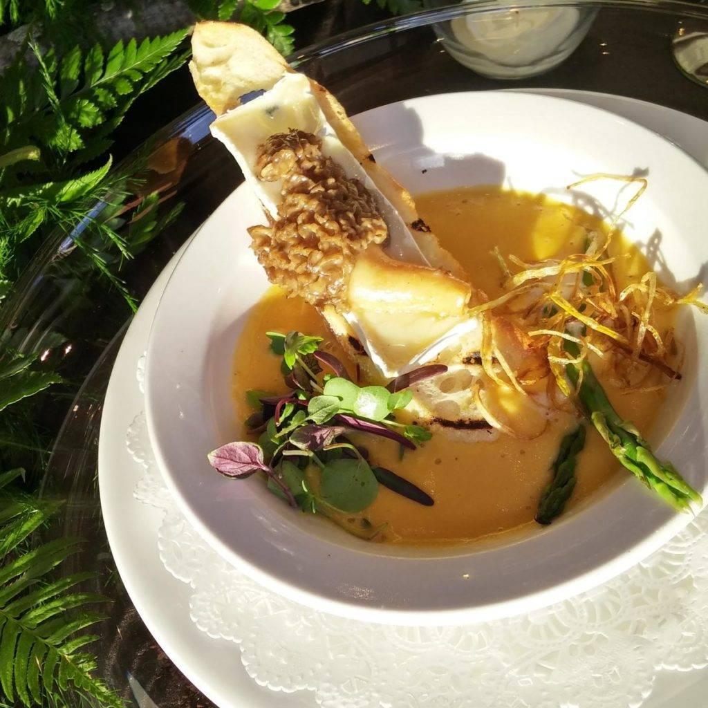 Eagle Ridge Morel Media Dinner - asparagus & hickory chicken potage crecy
