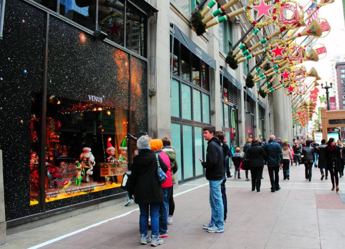 Macy's State Street Christmas Windows is one of the reasons Chicago is one of the best Christmas towns in the U.S.