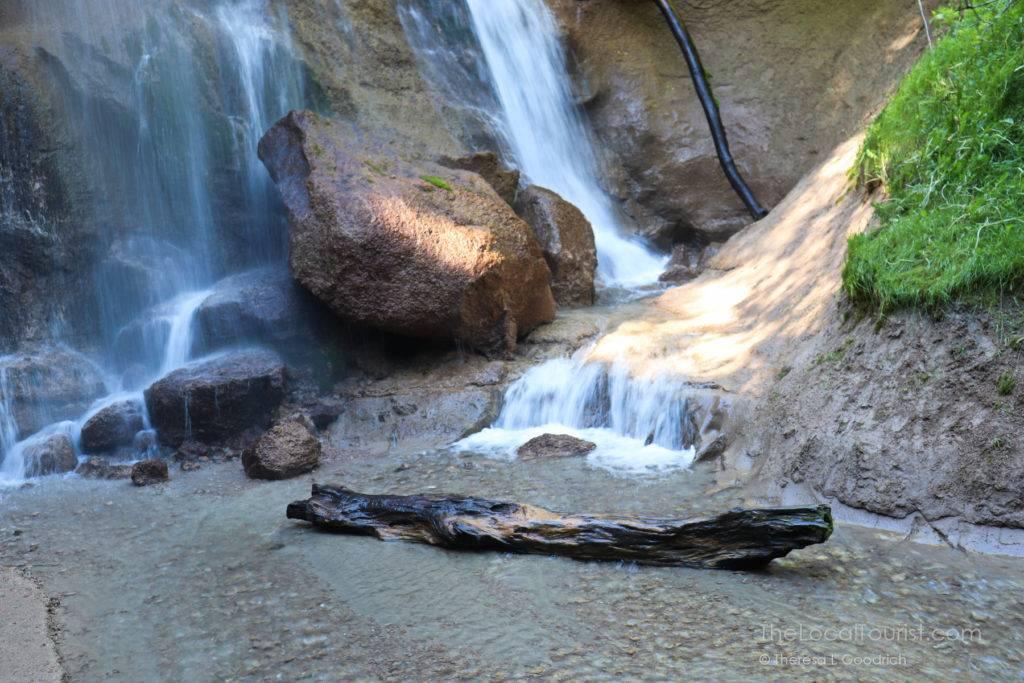 Base of Smith Falls