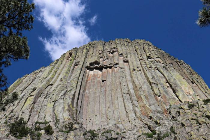 A spot on Devils Tower were columns fell off